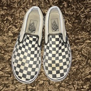 Checkerboard Vans size 7.5